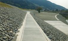 徳島県山口谷川