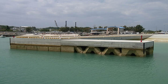 沖縄県うるま市平敷屋漁港