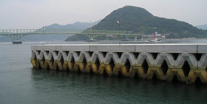 山口県柳井市鳴門漁港